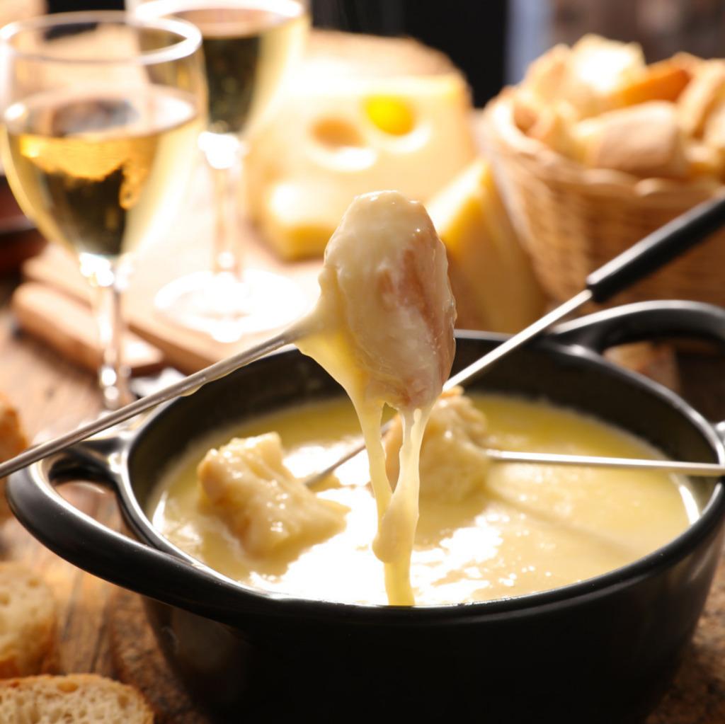 Italiaanse kaasfondue met blauwe kaas